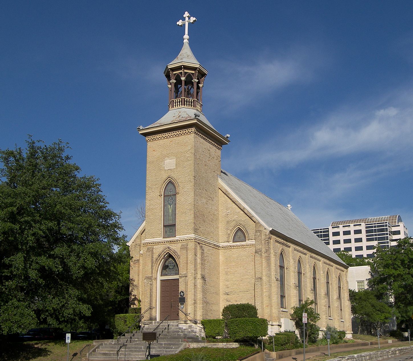 Gethsemane_lutheran_church_austin_2009
