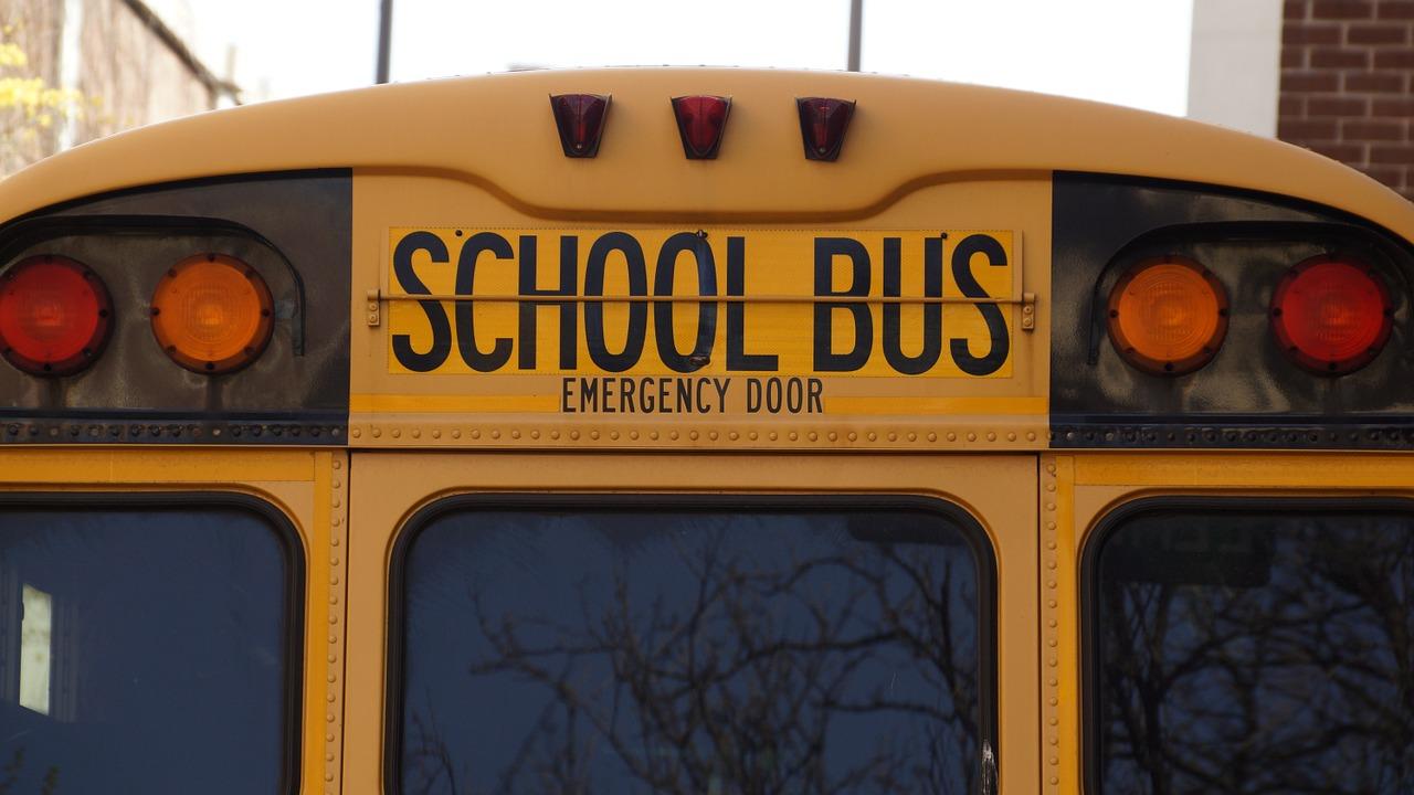 bus-1319360_1280