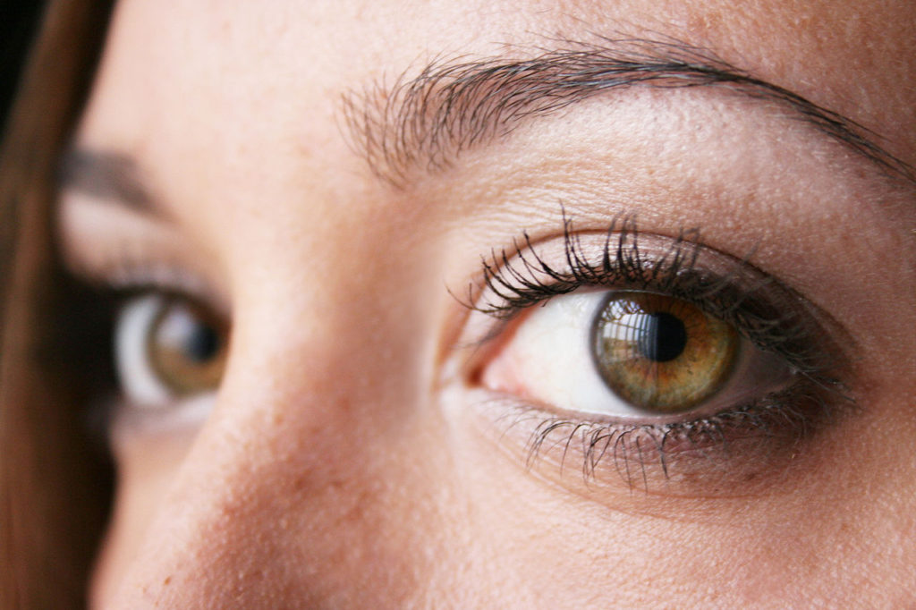 Double Eyelid Surgery: Why is it Trendy Among Women? | Momist