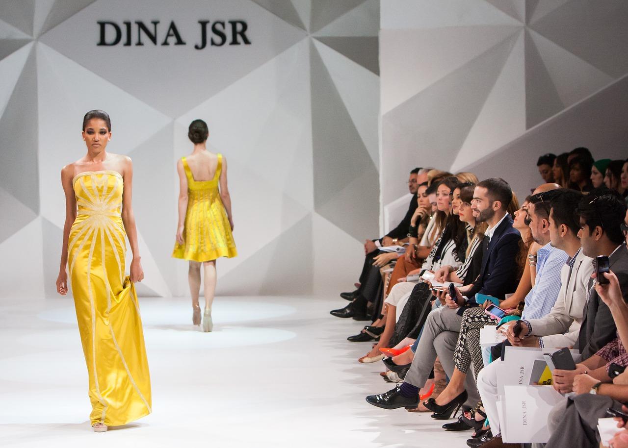 fashion-show-1746582_1280