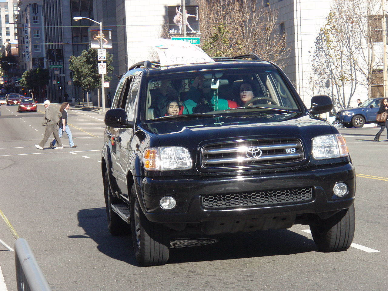 1280px-Hamas_supporter_driving_the_car_with_kids