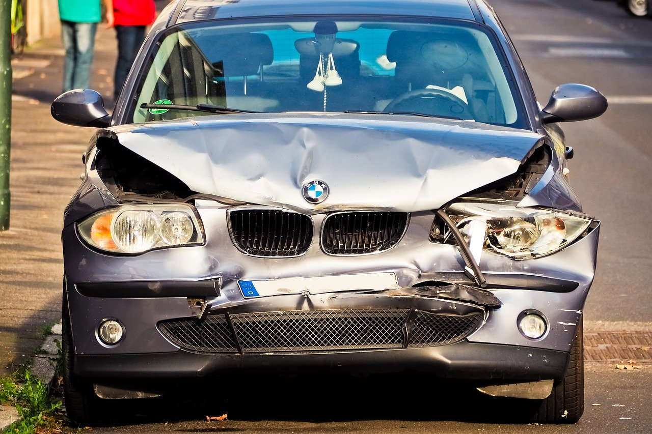 How to Help A Friend After a Car Accident